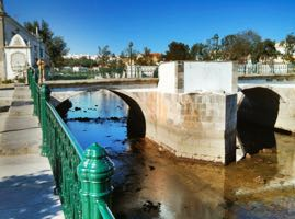 bed-breakfast-algarve-tavira-roman-bridge.jpg